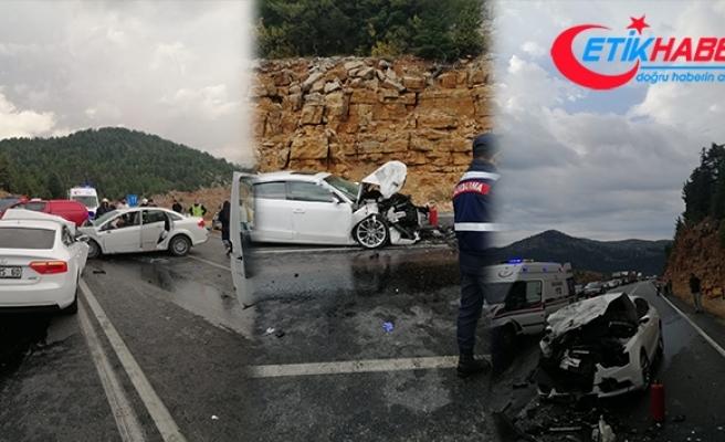 Antalya'da katliam gibi kaza: 4 ölü, 2 yaralı