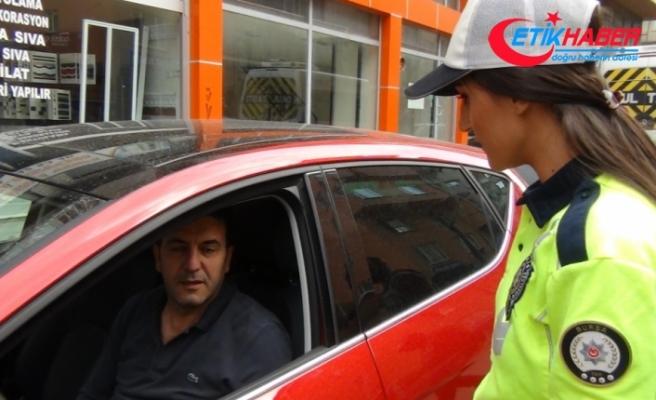 Aracında sigara içen sürücülere ceza kapıda