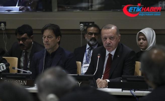 Erdoğan: Barış dini İslam'ı terörle bir araya getirmek çok büyük iftiradır