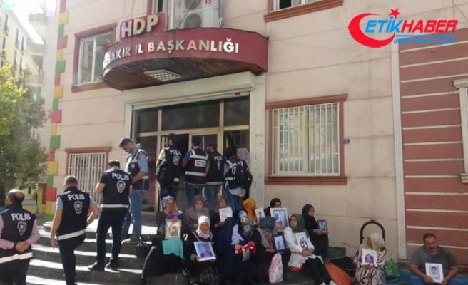 """Evlat nöbetindeki annelerden İmamoğlu'na tepki: """"Yazıklar olsun"""""""