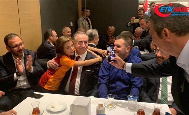Galatasaray-Fenerbahçe derbisinde anlamlı fotoğraf