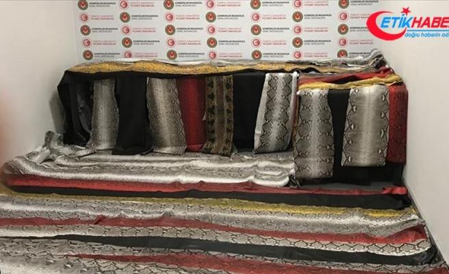 İstanbul Havalimanı'nda 320 bin liralık yılan derisi ele geçirildi
