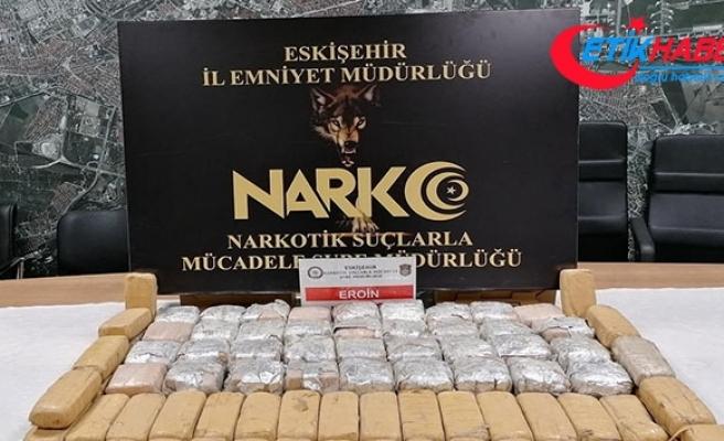 Kamyonet lastiği içinde 44 kilo eroin