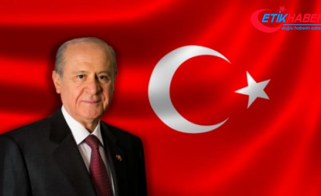 MHP Lideri Bahçeli'den Filenin Sultanlarına kutlama mesajı