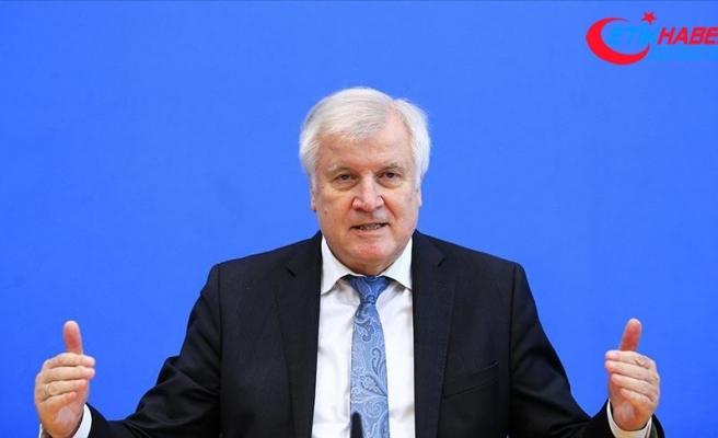 Almanya İçişleri Bakanı Seehofer: Almanya'da aşırı sağ teröründen kaynaklanan tehdit büyüktür