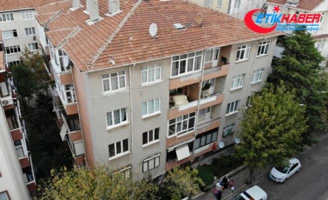 Avcılar'da deprem sonrası bir bina daha mühürlendi