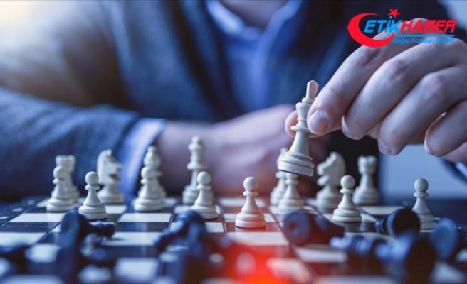 Azerbaycanlı satranç ustası Teymur Recebov dünya şampiyonu oldu