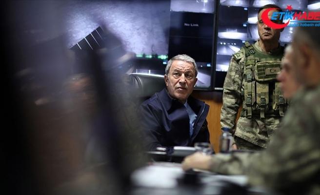 Bakan Akar askerlere seslendi: Her an her şey olabilir