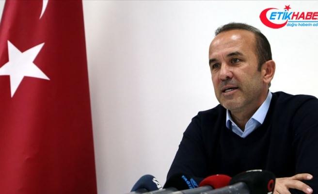 Denizlispor teknik direktör Mehmet Özdilek ile anlaştı