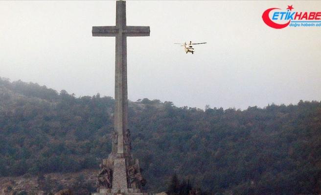 Diktatör Franco'nun tabutu 44 yıl sonra anıt mezardan taşındı