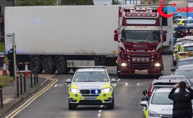 İngiltere'de tırın arkasında 39 cesedin bulunmasıyla ilgili gözaltı