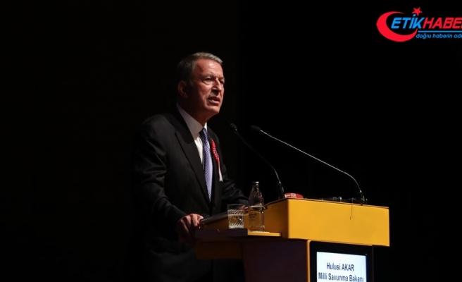 Milli Savunma Bakanı Akar: Gerektiğinde kendi göbeğimizi kendimiz keseriz