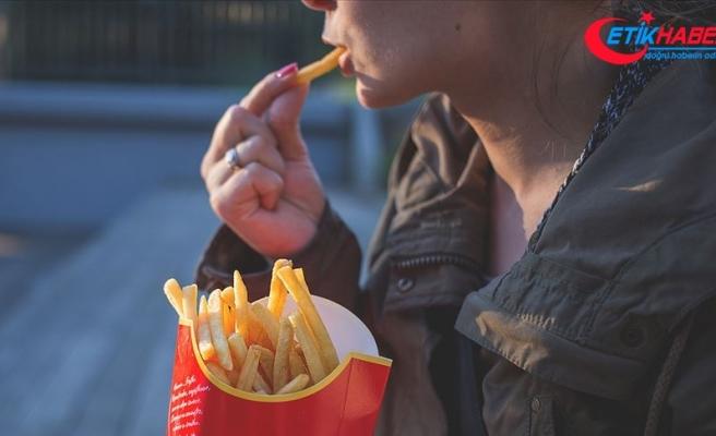 Dünyada 2,1 milyar kişi obeziteyle mücadele ediyor