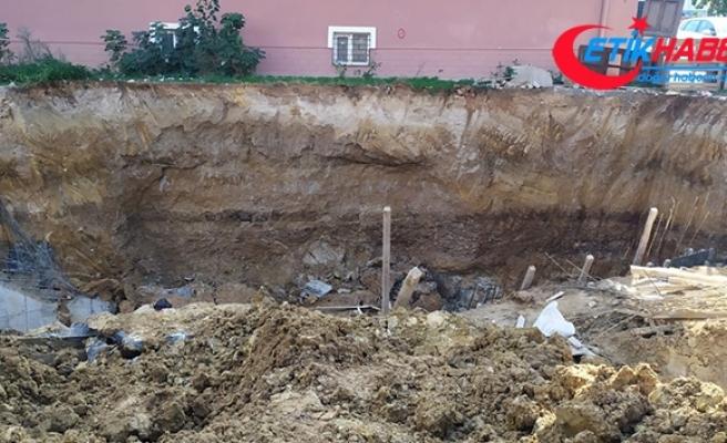 Sultanbeyli'de toprak kayması: 1 işçi yaralandı
