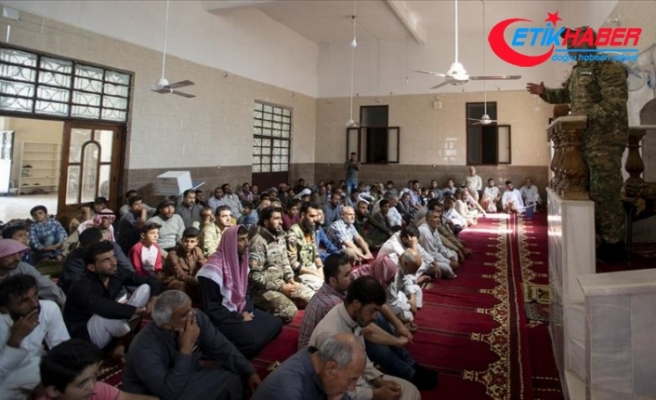 Tel Abyad'da terör tehdidinden uzak ilk cuma namazı