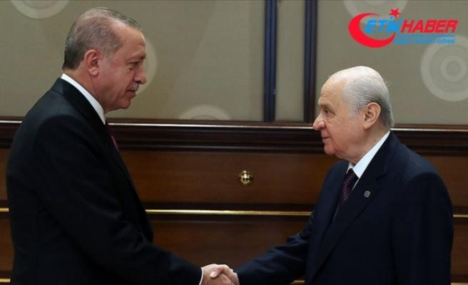 Cumhurbaşkanı Erdoğan ile MHP Lideri Bahçeli Meclis'te bir araya geldi