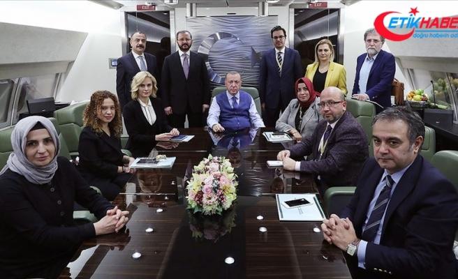Cumhurbaşkanı Erdoğan Katar dönüşü gazetecilerin sorularını yanıtladı