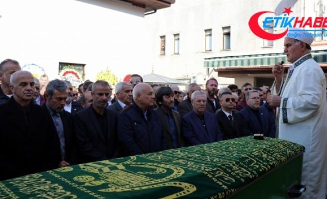Eski milli futbolcu Oğuz Çetin'in babası son yolculuğuna uğurlandı