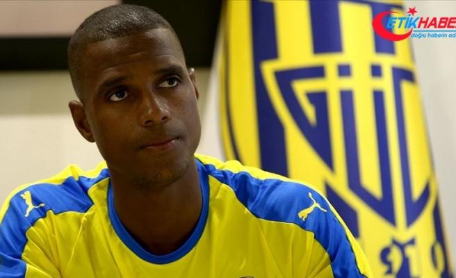 MKE Ankaragüçlü Faty'den ırkçılık eleştirisi: FIFA ve UEFA işini düzgün yapmıyor