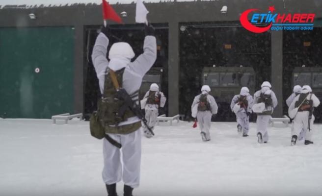 Rusya'dan ülkenin kuzeyinde balistik füze tatbikatı