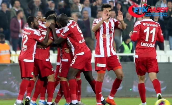 Sivasspor Teknik Direktörü Çalımbay: Şampiyonluk kolay bir iş değil