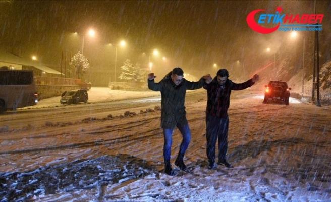 Zigana Dağı'nda kar yağışı