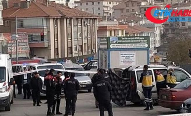 Başkent'te hakkında uzaklaştırılma kararı bulunan koca otomobilinde öldü