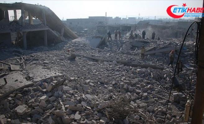 Esed rejimi İdlib'de son 4 günde 35 yerleşimi ele geçirdi