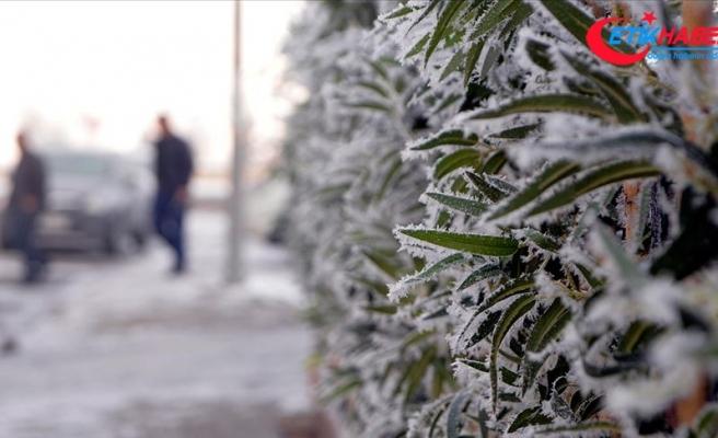 Kars ve Ardahan'da gece hava sıcaklığı 5 dereceye kadar düştü