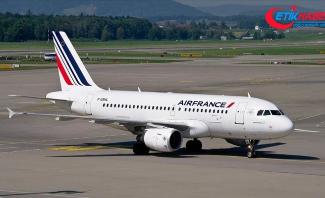 Kamerunlu yolcudan Air France'a 'ırkçılık' ve 'insanlık dışı muamele' suçlaması