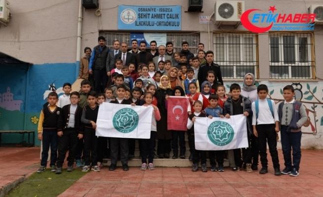 Osmaniye Vakfı'ndan ilköğretim öğrencilerine kışlık yardım