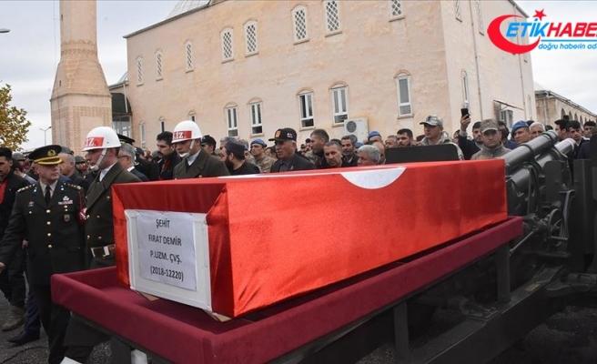 Silah kazasında şehit olan asker Adıyaman'da son yolculuğuna uğurlandı