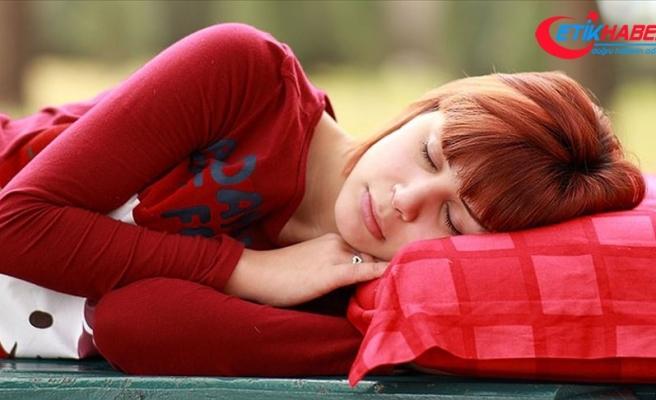 """""""Günlük 8 saat uyku ve probiyotik besinler önemli"""""""