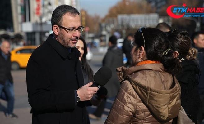 Bakan Kasapoğlu Gazeteciler Günü'nde muhabir oldu