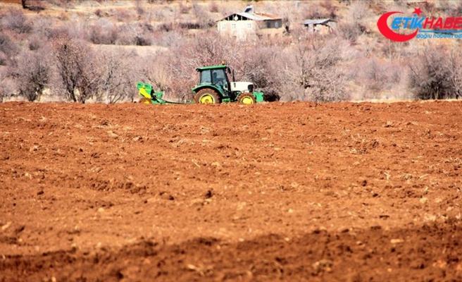 Bakan Pakdemirli: Elazığ ve Malatya'daki çiftçilerimize tarımsal destekler bugün ödenecek