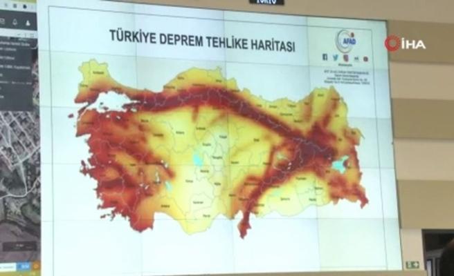 Deprem, AFAD Afet ve Acil Durum Yönetim Merkezinden anbean takip ediliyor