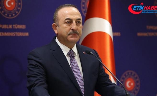 Dışişleri Bakanı Çavuşoğlu'ndan Türk bayrağını yırtan ırkçı Yunan milletvekiline tepki