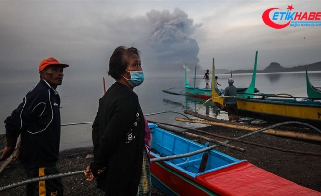 Filipinler'deki yanardağ patlamasının ardından 82 bin kişi tahliye edildi