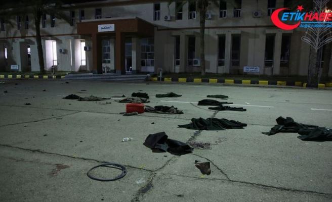 Hafter, 30 öğrencinin öldüğü askeri okul saldırısından sıyrılmaya çalışıyor