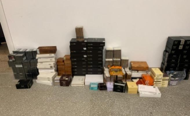 İstanbul'da kaçak puro operasyonu: 234 bin ürün ele geçirildi