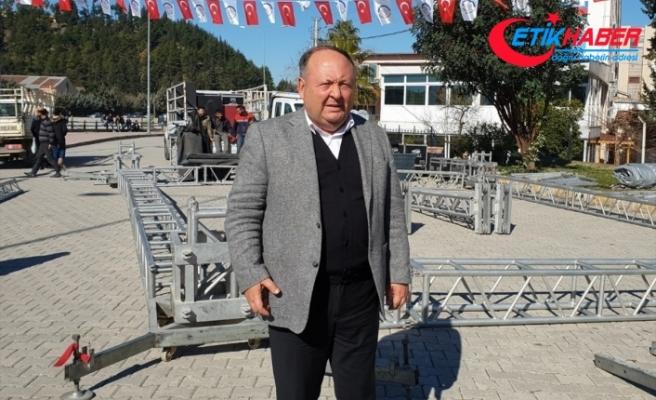 Kadirli Belediyesi Sucuk Ekmek festivalini iptal ederek 2 Ton sucuğu Elazığ'a gönderdi!