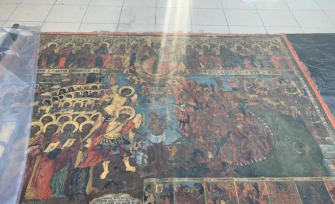 Kilisede kazı yaparak tarihi tabloyu çalan şüpheliler yakalandı