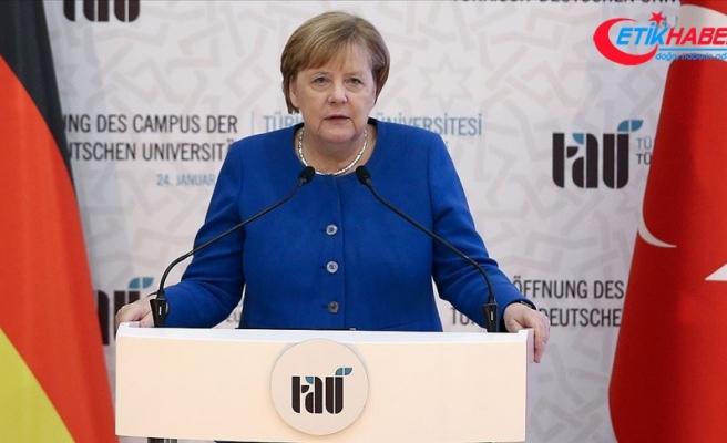 Merkel: Türk-Alman Üniversitesi Türk-Alman ortaklığını simgelemektedir