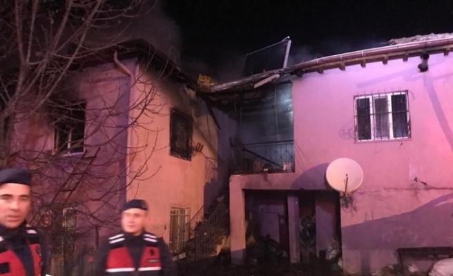Niğde'de ki yangında 2 çocuk 2 de kadın öldü