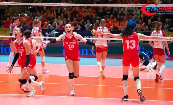 Voleybol Milli Takımı Olimpiyat Elemeleri'nde finale yükseldi
