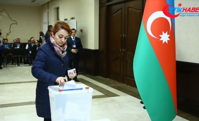 Azerbaycan'da resmi olmayan sonuçlara göre seçimin galibi Yeni Azerbaycan Partisi
