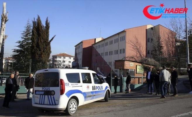 Güvenlik görevlisi okul müdürünü yaralayıp intihar girişiminde bulundu