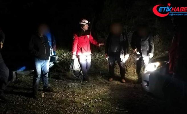 İzmir'de dağda kaybolan 3 kişi kurtarıldı