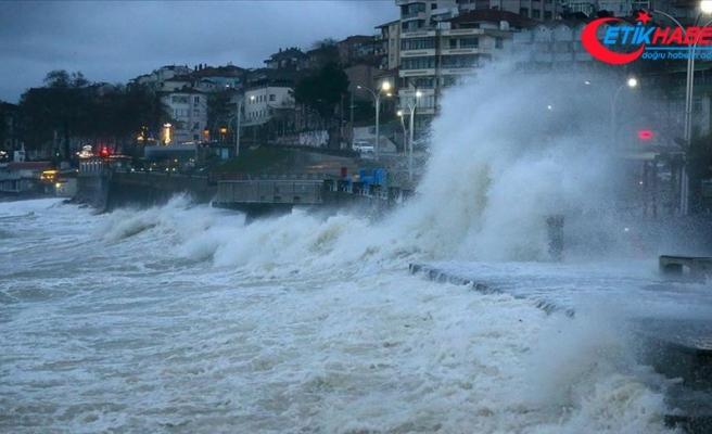 Karadeniz'de 6 il için kuvvetli fırtına uyarısı