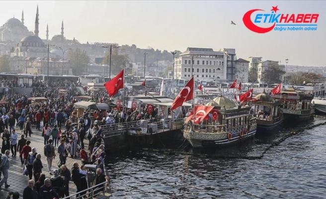 Mahkemeden Eminönü'ndeki balıkçı teknesi için kira sözleşmesine devam kararı